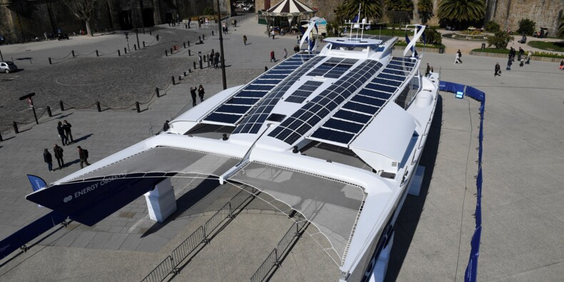 Mise à l'eau d'Energy Observer, catamaran autonome en énergie