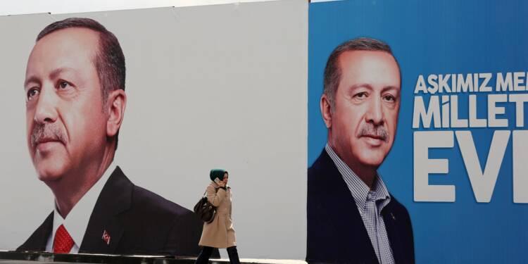 Turquie/Référendum: une économie en berne pour Erdogan