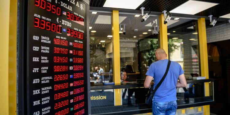 Turquie: Bourse et livre turque se renforcent après le référendum