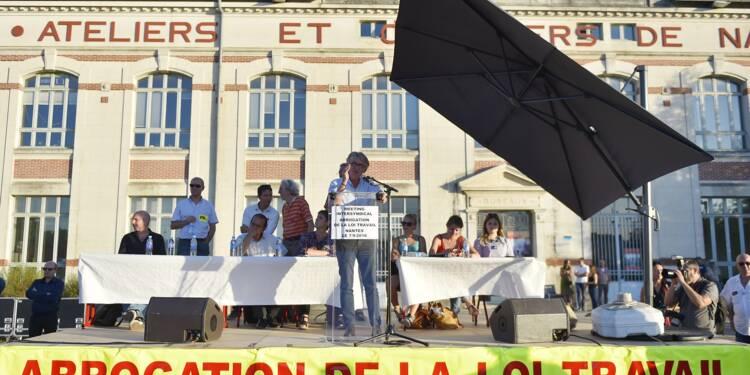 """Des syndicats CGT et SUD pour un """"1er tour social"""" samedi à Paris"""