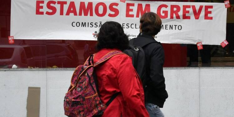 Brésil: manifestations violentes en marge de la grève générale