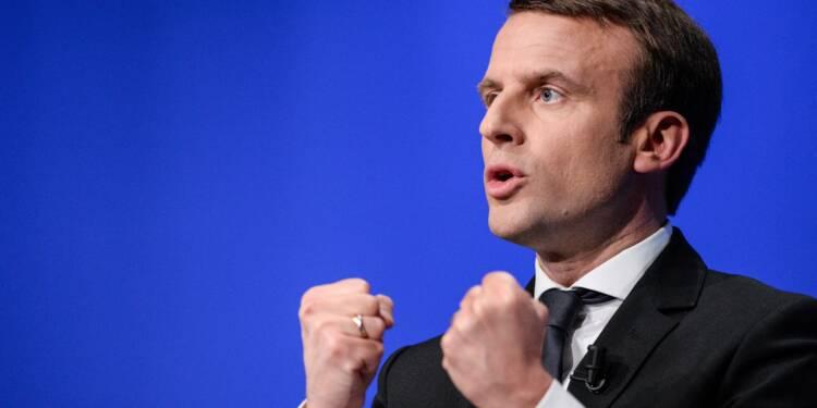 """Macron mènera le """"combat"""" pour obtenir une restructuration de la dette grecque"""