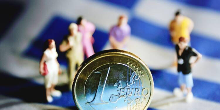 Grèce: l'UE abaisse nettement ses prévisions de croissance