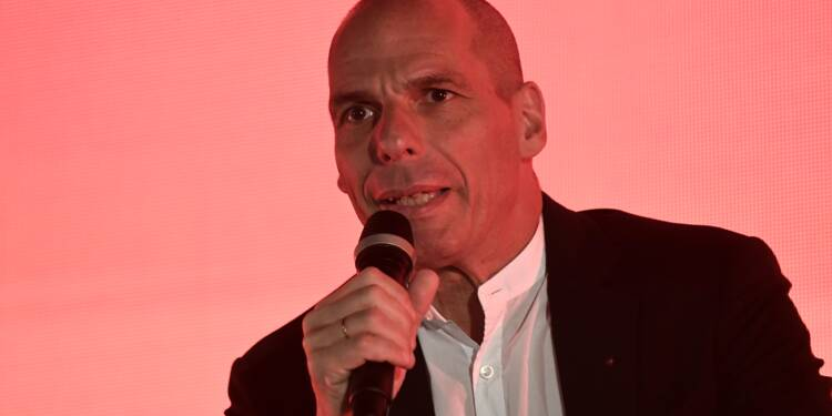 Après son soutien, Varoufakis monte au front contre Macron