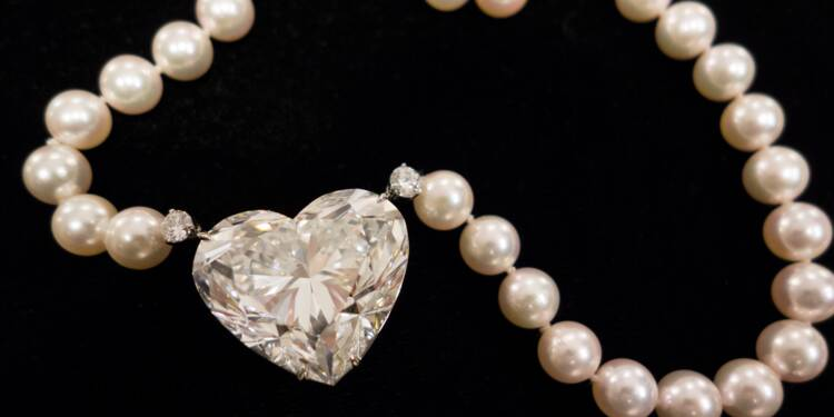 Record mondial pour un diamant en forme de coeur