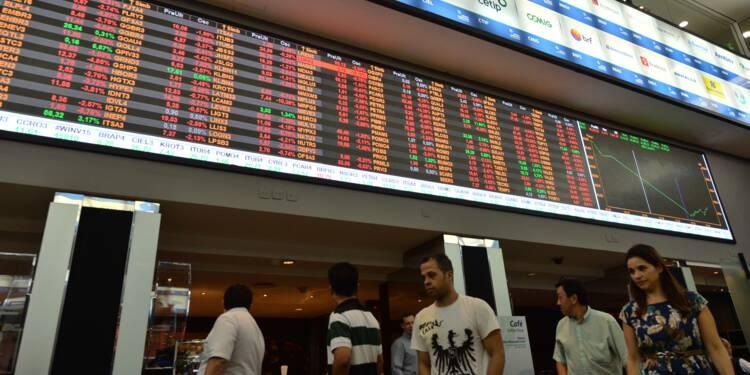 Brésil: le président Temer tente de sauver son mandat, les marchés plongent