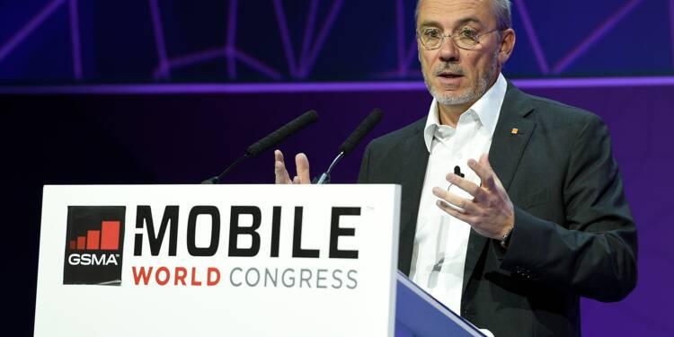 Télécoms: les tarifs mobiles baissent et la fibre progresse (Arcep)