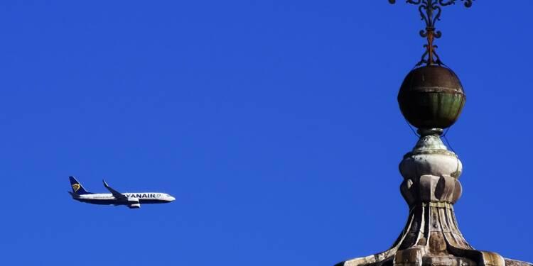 Ryanair: le bénéfice annuel résiste grâce à un nombre record de passagers