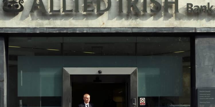 Sauvée pour 21 milliards d'euros, la banque irlandaise AIB revient en Bourse