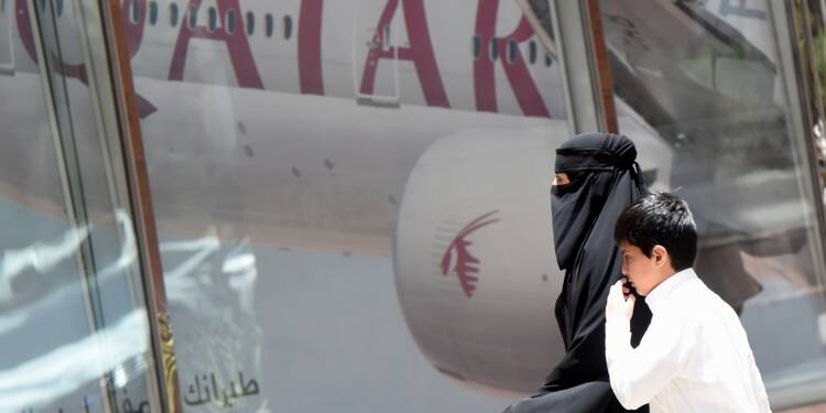 Crise dans le Golfe: suspension de vols avec le Qatar, tentatives de médiation