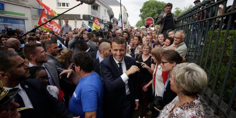 """Macron aux salariés de GM&S: """"on fera le maximum"""""""