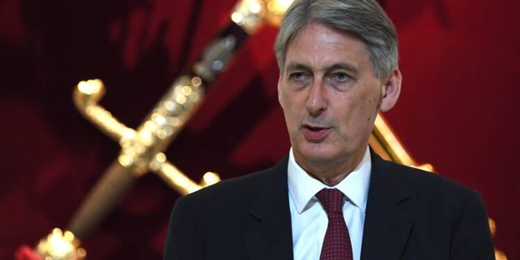 """Brexit: le ministre des Finances défend une approche """"douce"""""""