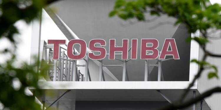 Toshiba décide de vendre sa filiale de puces-mémoires à Bain Capital