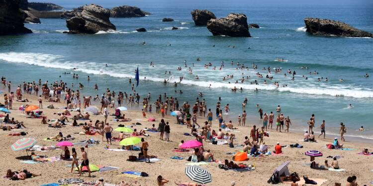 Vacances d'été: les Français vont partir plus et plus loin
