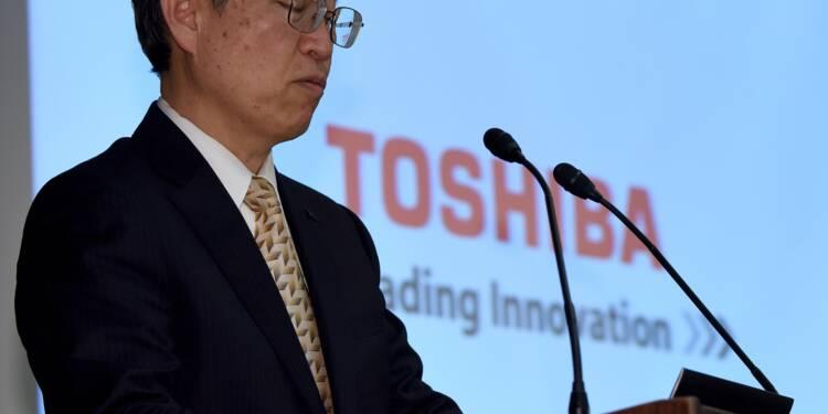 Toshiba s'enfonce encore un peu plus, l'action menacée de radiation