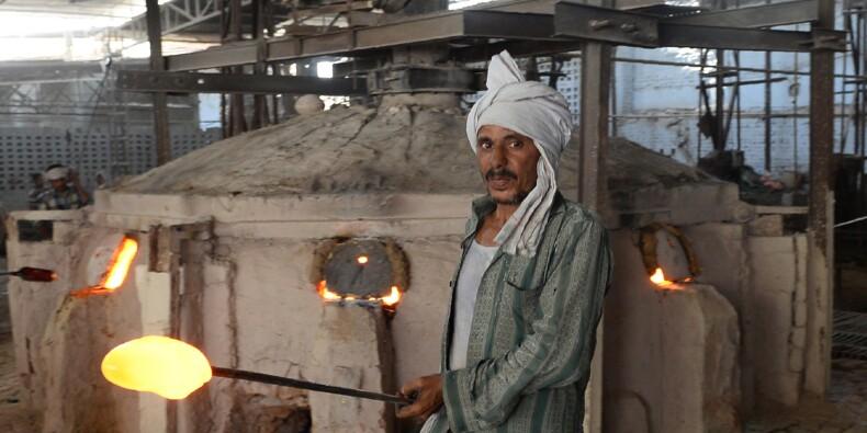 En Inde, l'industrie du verre a une dent contre le Taj Mahal
