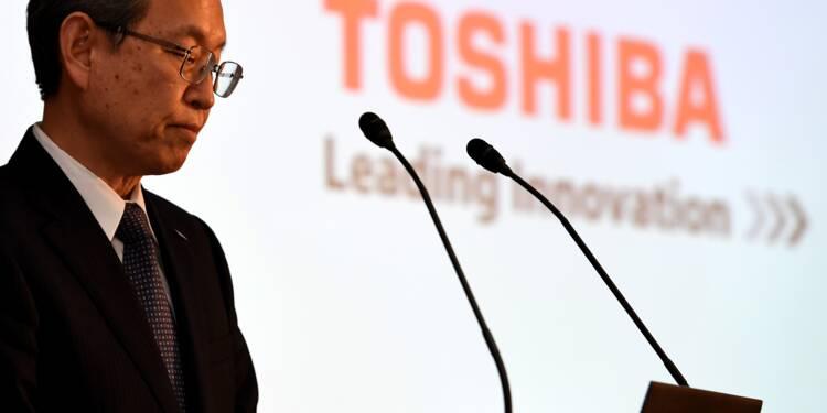 Toshiba va signer mardi la cession de son activité de puces-mémoires