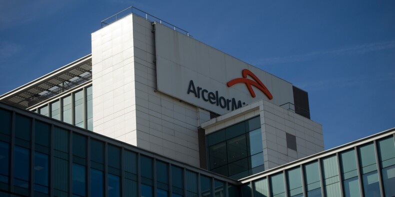 Pollution à l'acide: Arcelor Mittal porte plainte contre X