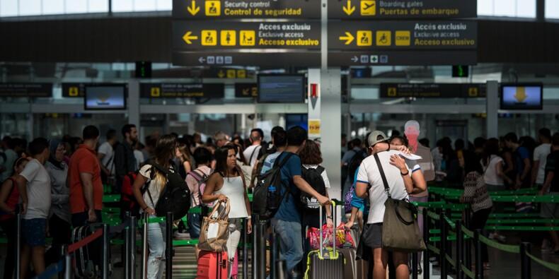 Aéroport de Barcelone: grève illimitée des agents de sécurité