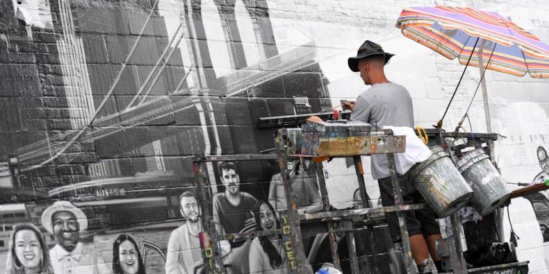 A New York, le retour improbable des publicités peintes sur les murs