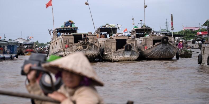 Au Vietnam, le difficile virage vers le tourisme des marchés flottants du Mékong