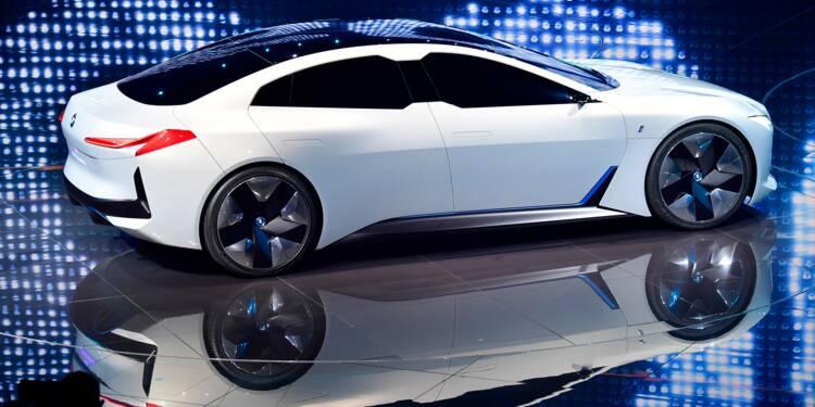 A Francfort, l'automobile contrainte de se réinventer
