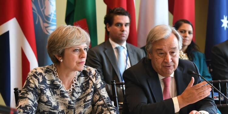 Brexit: Theresa May va proposer de payer au moins 20 mds EUR à l'UE (presse)