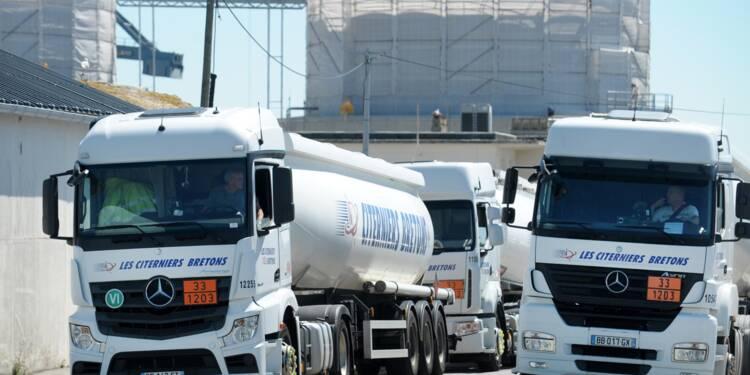 """Grève des routiers: le patronat dénonce les """"inexactitudes"""" et le """"mensonge"""" des syndicats"""