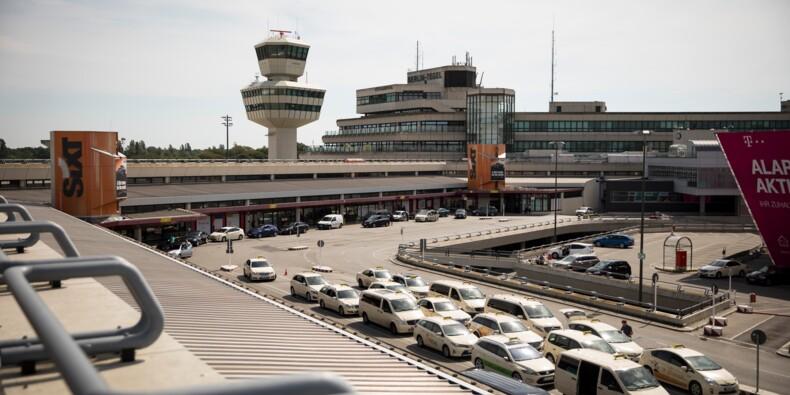 """Victoire du """"Oui"""" au référendum sur le maintien d'un aéroport berlinois"""