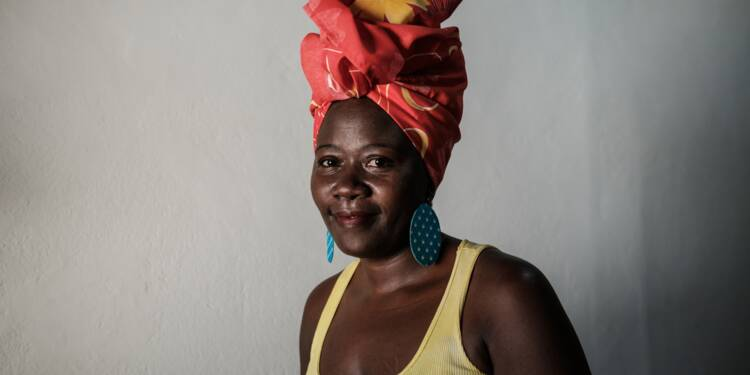 """Le turban, un """"trophée"""" contre l'intolérance religieuse au Brésil"""