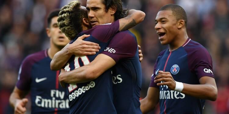 Paris SG, seul invaincu en L1, après avoir écrasé Bordeaux (6-2)