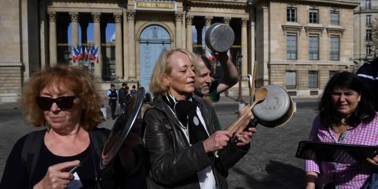 Code du Travail: concerts de casseroles de militants LFI dans toute la France