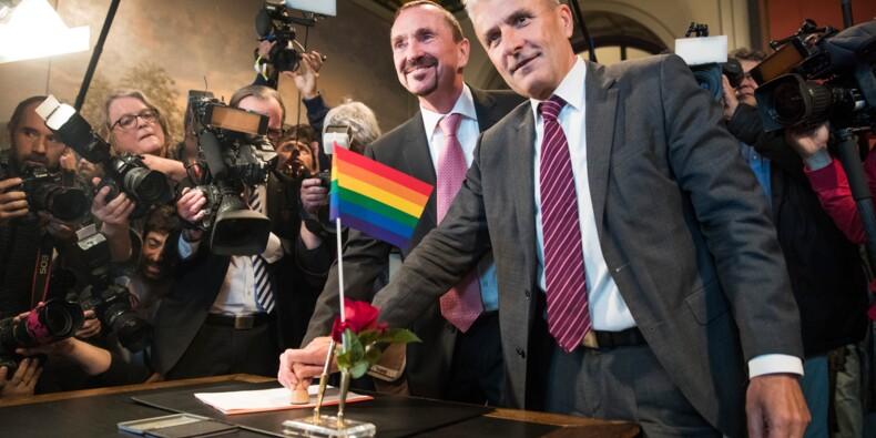 L'Allemagne célèbre ses premiers mariages homosexuels