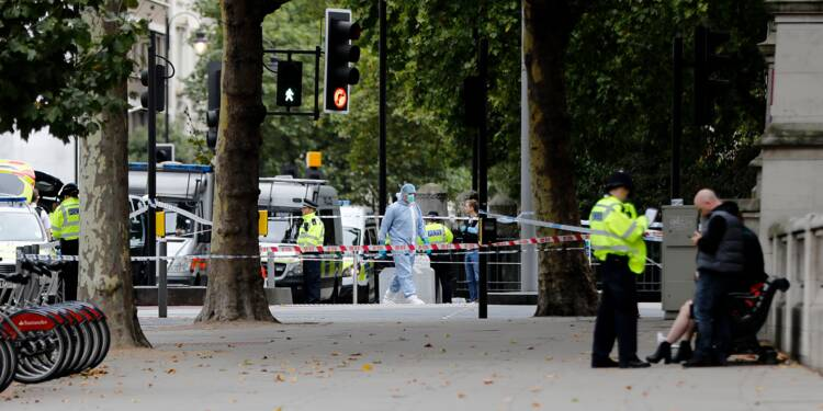 Onze blessés dans un accident de voiture contre des piétons à Londres