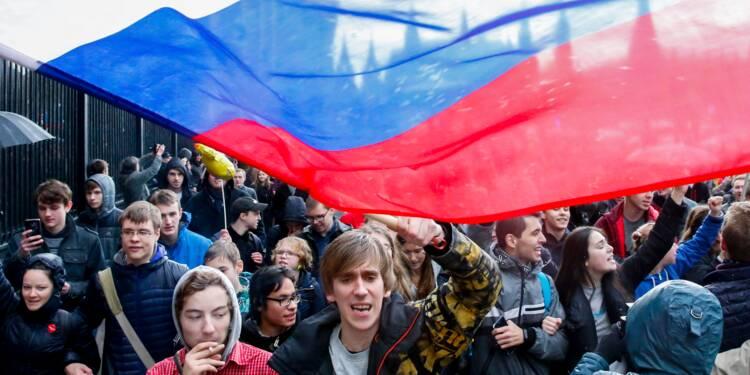 Russie: les partisans de Navalny manifestent contre Poutine le jour de ses 65 ans
