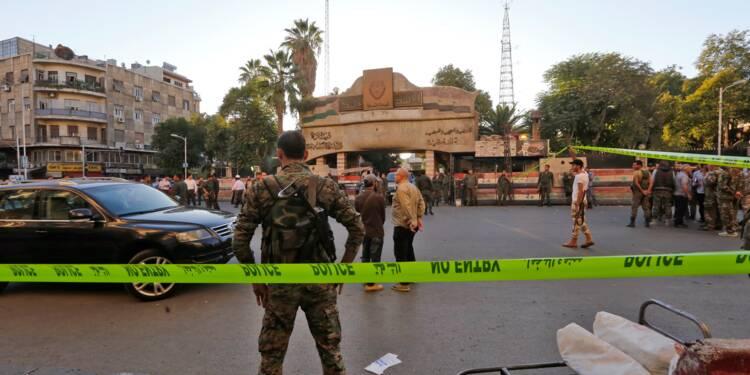 Triple attentat suicide près du siège de la police à Damas, deux morts