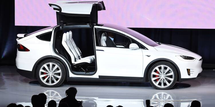 """Tesla rappelle 11.000 """"Model X"""" pour ajuster le siège arrière"""