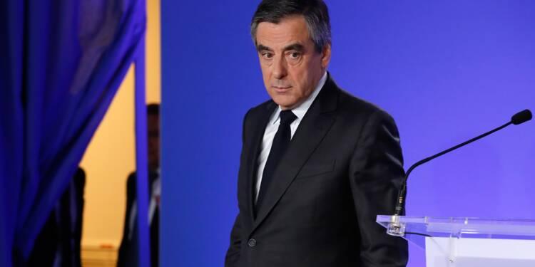 Plainte de Fillon contre Le Canard enchaîné: l'enquête classée sans suite