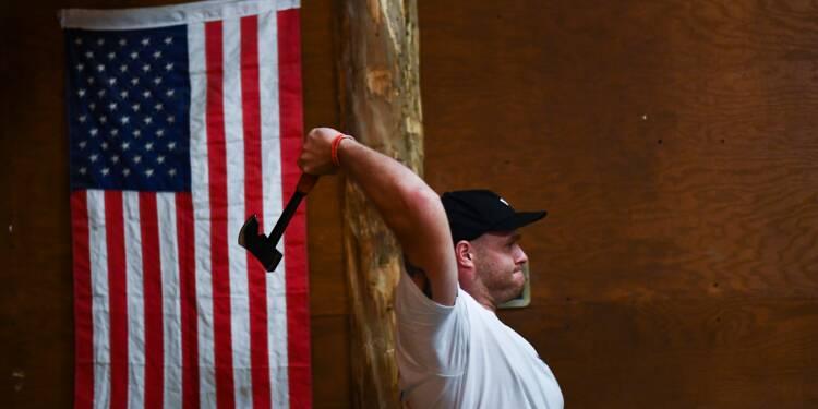 Le lancer de hache, le nouveau loisir qui monte aux Etats-Unis