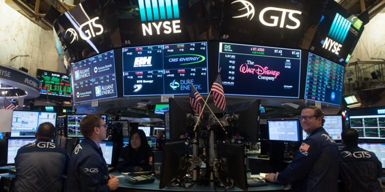 En pleine période de résultats, Wall Street atteint des sommets