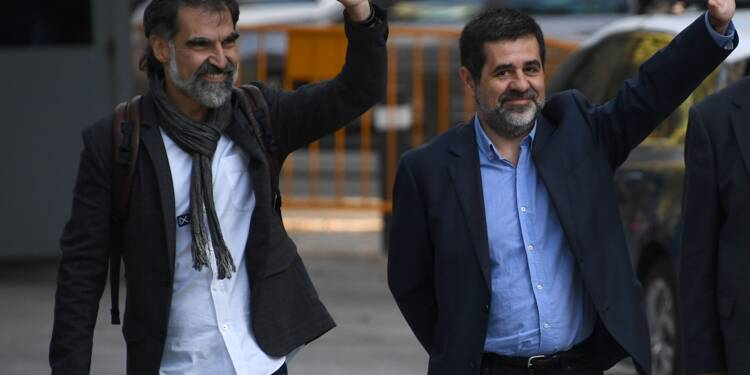 Catalogne: détention préventive pour des chefs d'associations indépendantistes