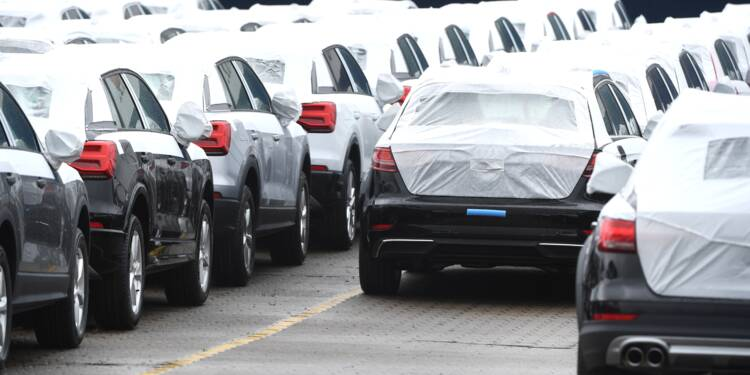 Bond du marché auto français en octobre, PSA et Renault en profitent le plus