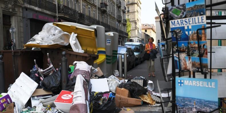 Grève des éboueurs à Marseille: des sites de transferts débloqués