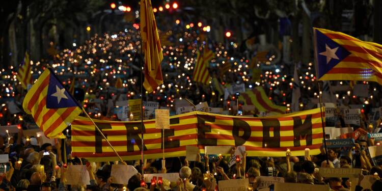 Catalogne: à J-1, Madrid confirme qu'une suspension de l'autonomie est sur la table