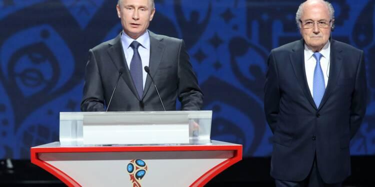 """Blatter prépare un livre """"salé"""" et ira en au Mondial Russie"""
