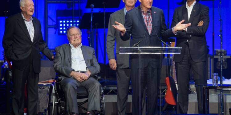 Etats-Unis: cinq anciens présidents à un concert de charité après les ouragans