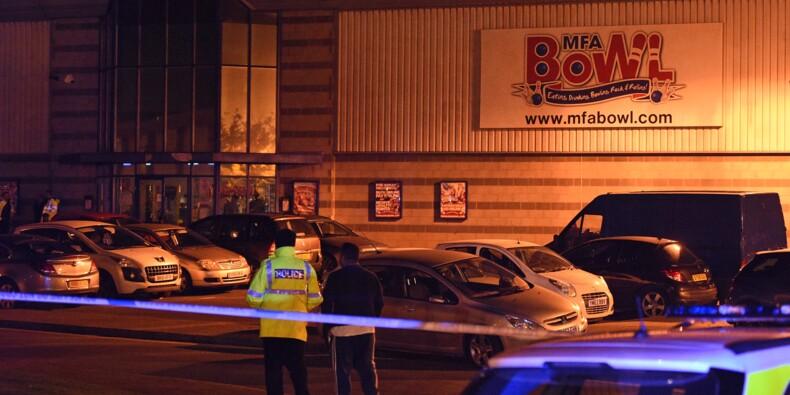 Royaume-Uni: un homme interpellé après avoir pris en otage deux employés d'un bowling