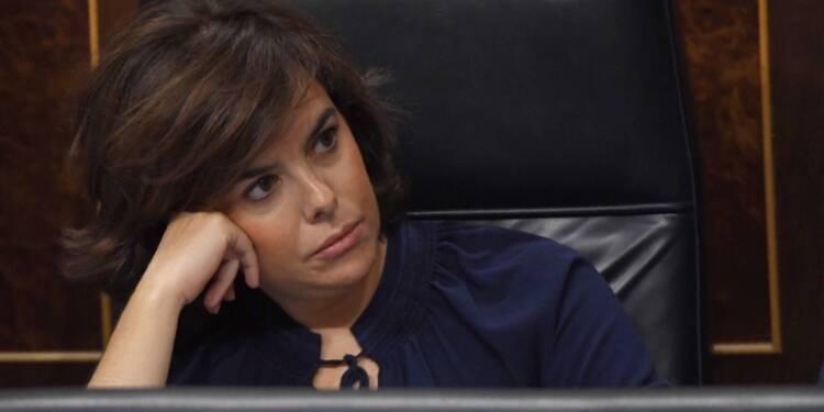 Catalogne: s'il persiste, Puigdemont n'aura plus aucun pouvoir samedi, dit Madrid