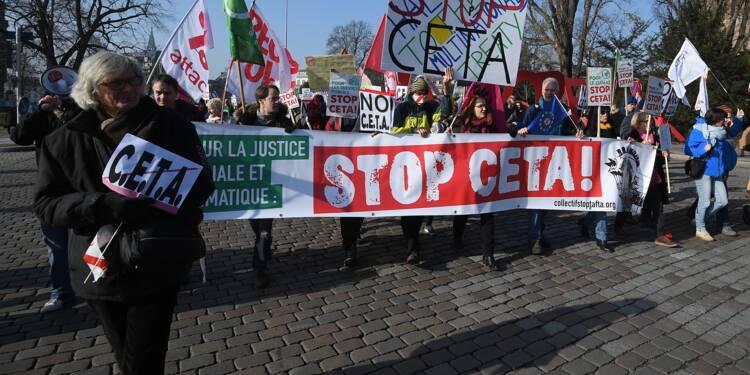 """Le gouvernement promet de """"mettre le Ceta sous surveillance"""""""