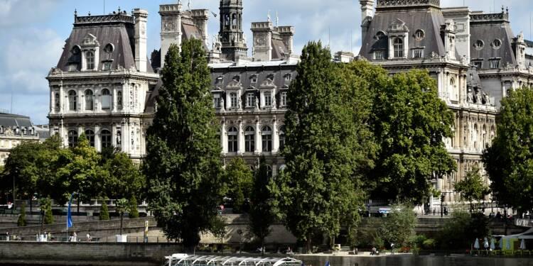 """La mairie de Paris saisit la justice contre une pub incitant à la """"prostitution"""""""